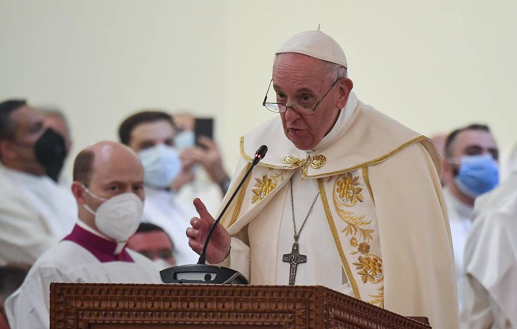 Папа Римский призвал уважать и оберегать женщин