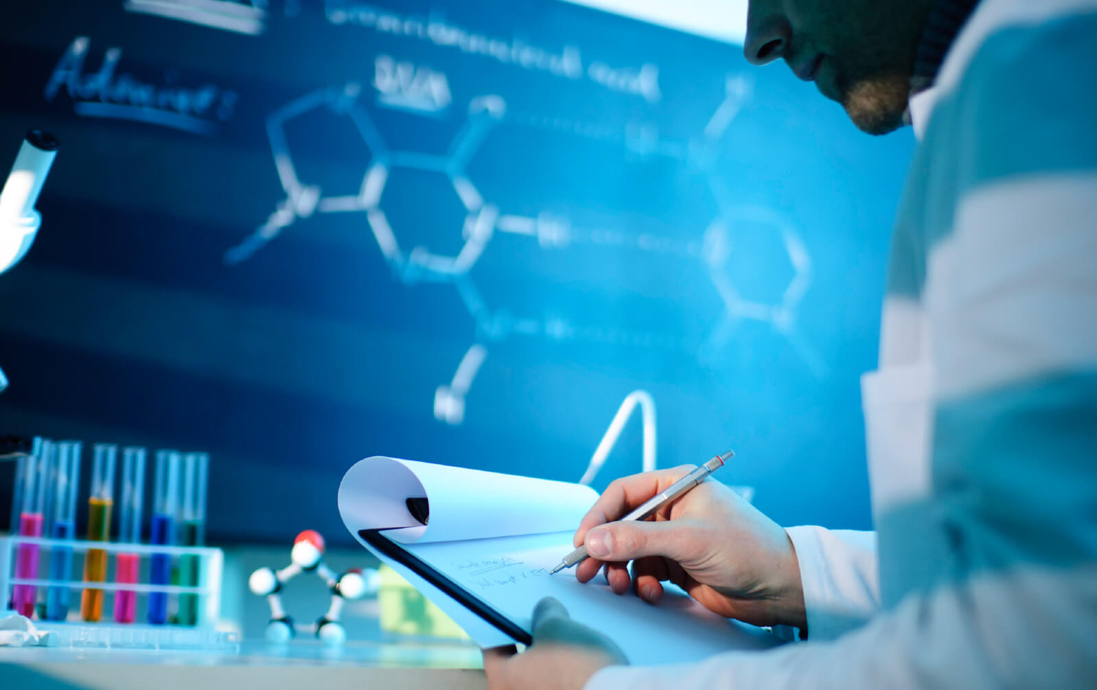 Наука как знание и технология: может ли рынок возродить фундаментальную науку?