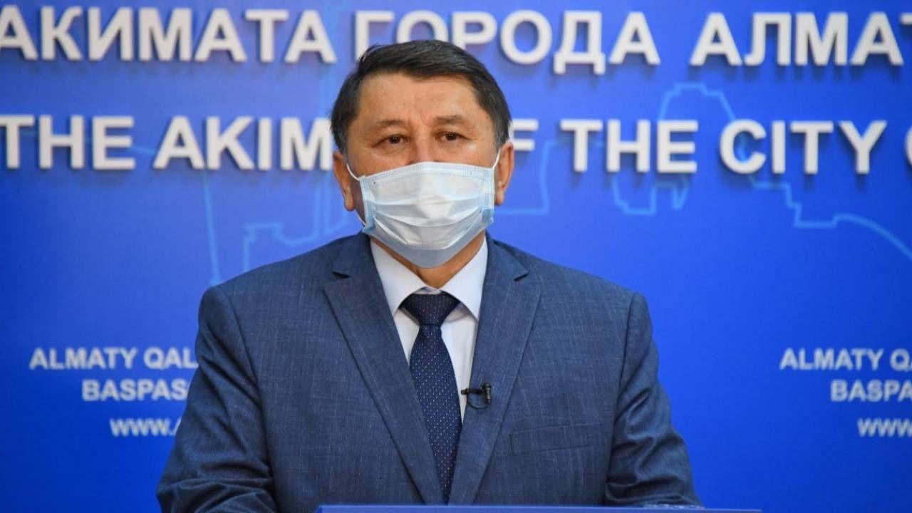 """Бекшин: Алматы находится в красной зоне, но мы работаем по """"темно-красной"""""""