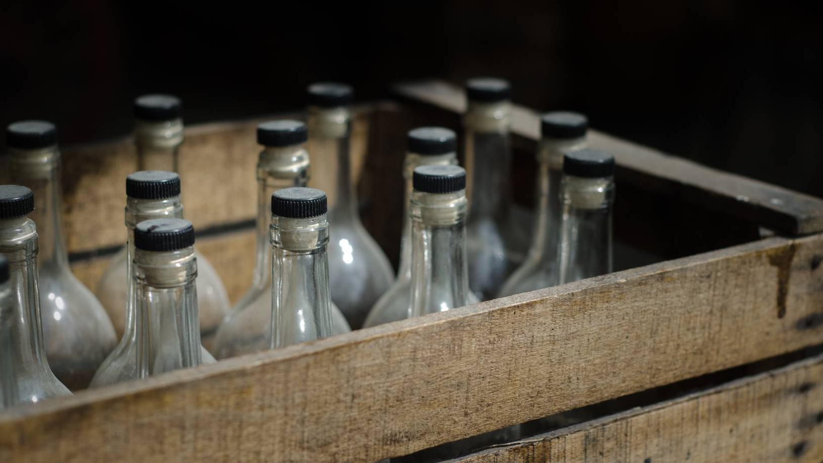 В Алматинской области выявили подпольный завод по производству алкоголя