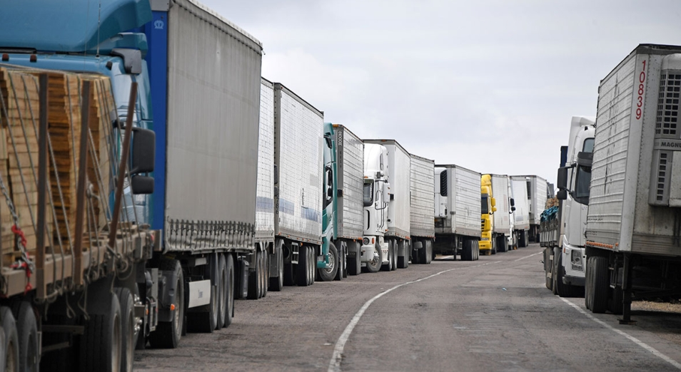 Проблема с простоем грузов на границе с Китаем все еще не решена
