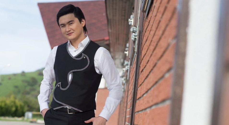Как идет «казахизация» северных регионов страны и почему казахский певец решил написать книгу?