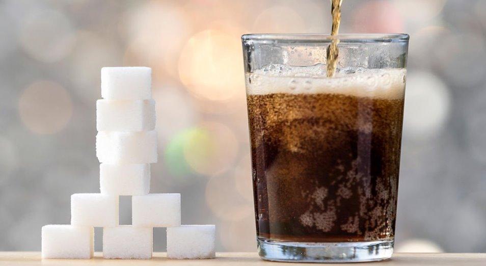 В Казахстане могут ввести акциз на напитки с содержанием сахара