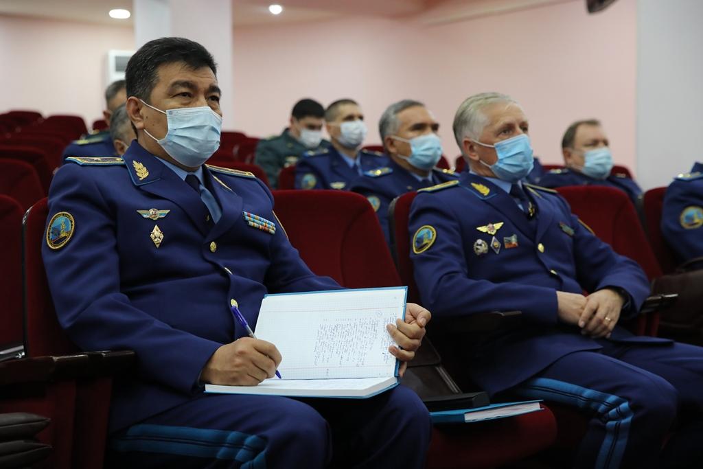 180 военнослужащих вошли в кадровый резерв президента