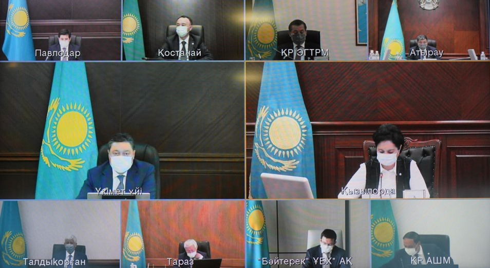 Засуха в Казахстане: Аскар Мамин поручил активизировать работу по кормозаготовке