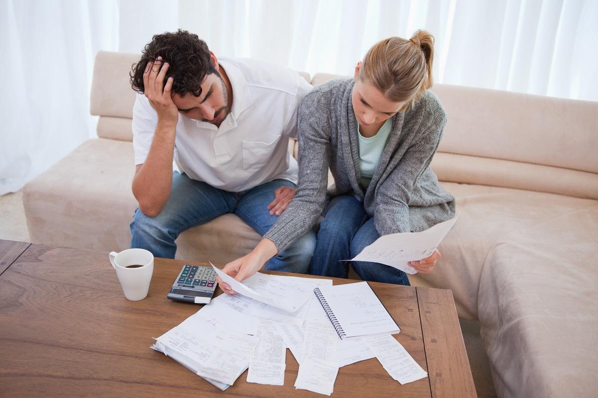 Доходы домохозяйств растут медленнее расходов