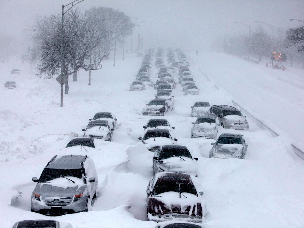 """Более 800 автомашин выведено из """"снежного плена"""" в Акмолинской области – МЧС"""