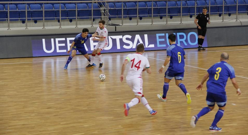 Казахстан разгромил Белоруссию в футзальном евроотборе
