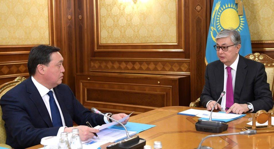 Глава государства принял Премьер-министра Аскара Мамина