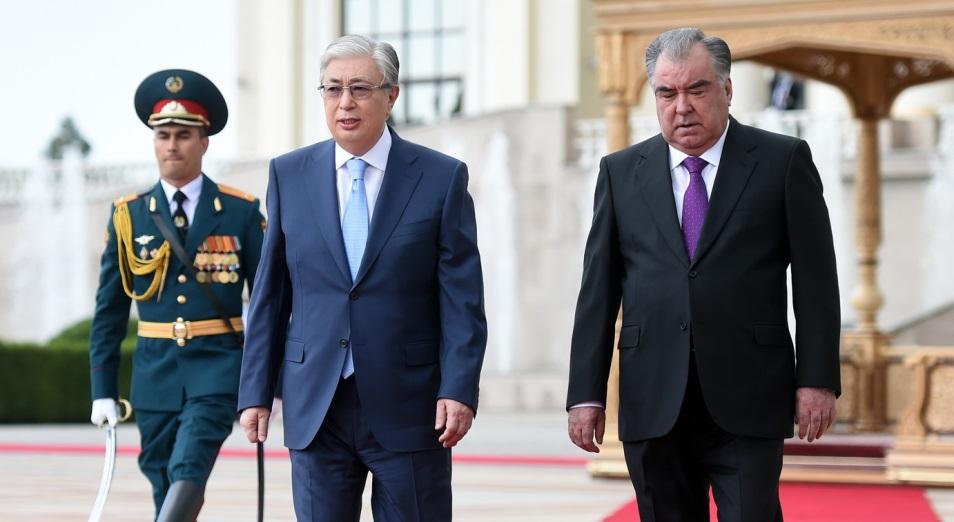 О чем говорили президенты Казахстана и Таджикистана?