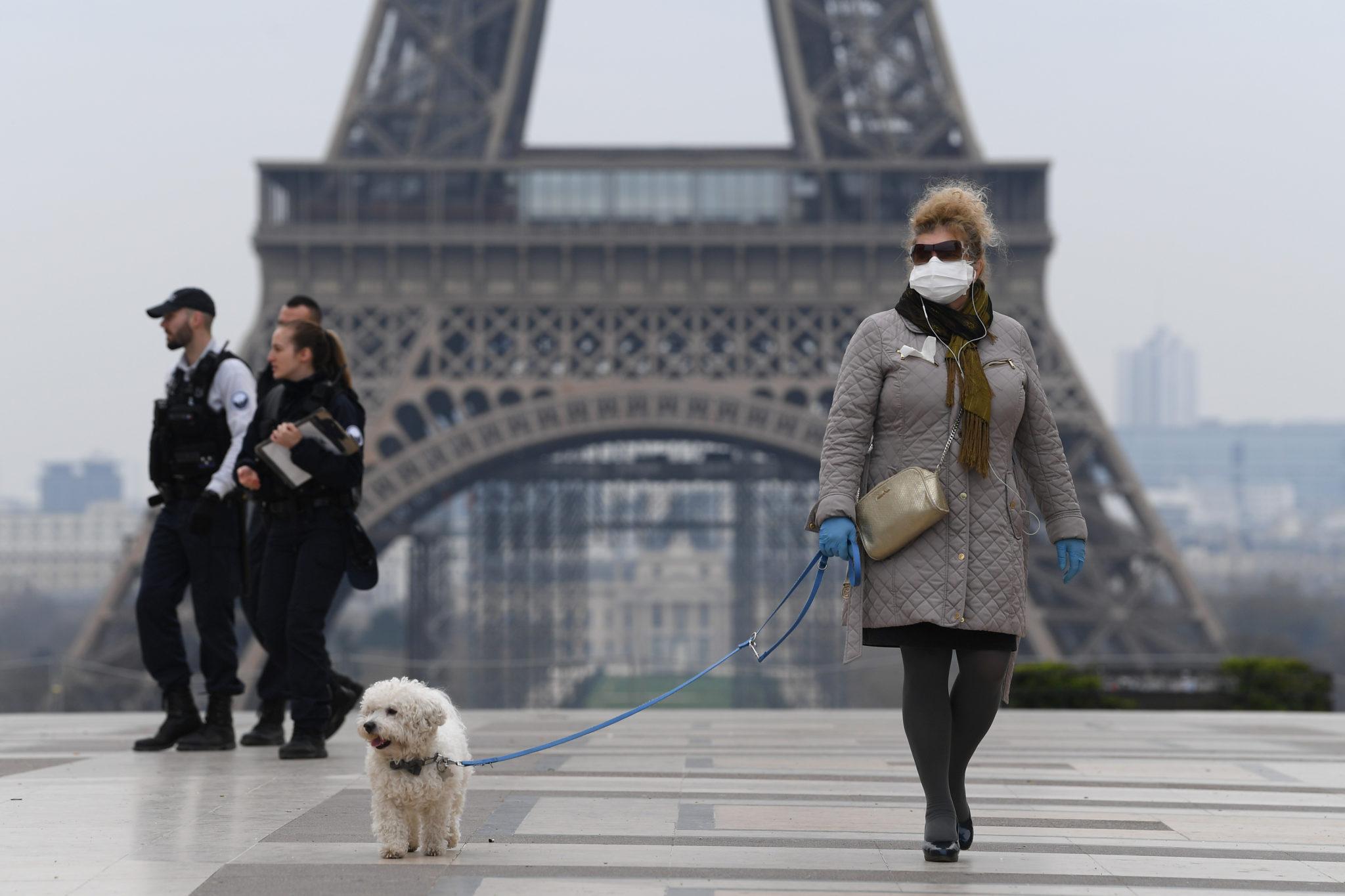 Во Франции стали требовать отрицательный тест на COVID-19 от приезжающих из других стран ЕС