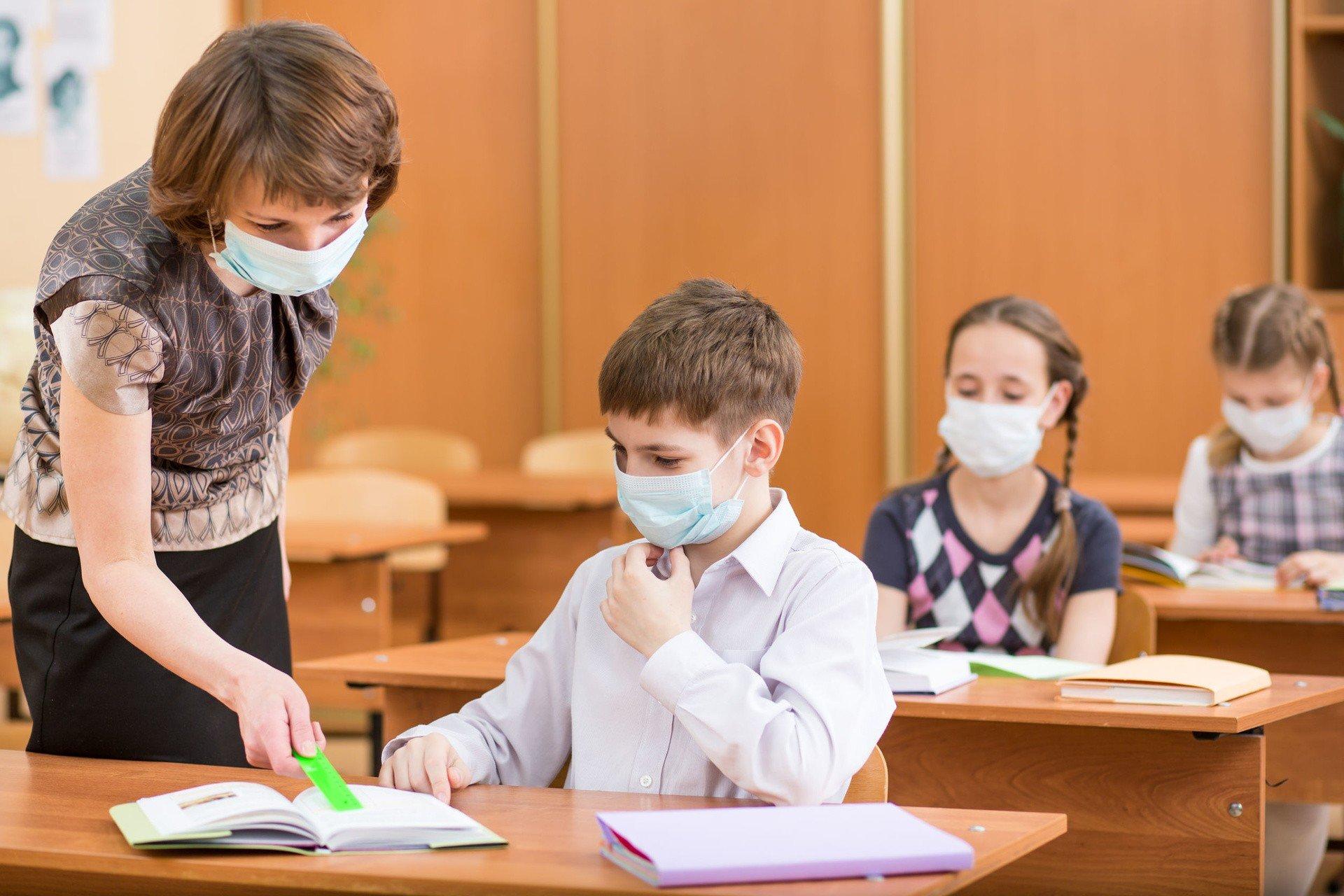 В минздраве прокомментировали выход детей в школы