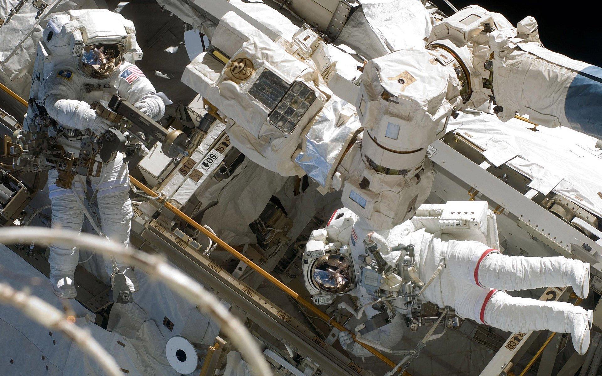Астронавты NASA вернулись на борт МКС