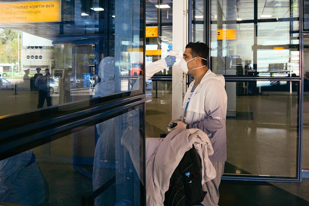 Авиапассажиры продолжают пребывать в Казахстан без справок ПЦР