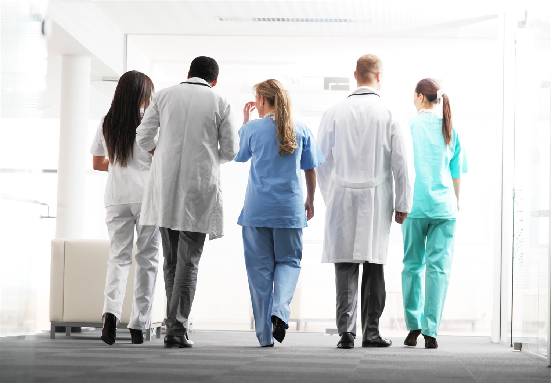 Почему врачи покидают Казахстан? / Итоги-Brief