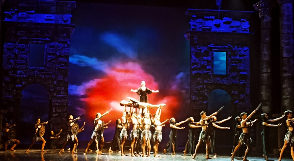«Спартак» вернулся на театральную сцену