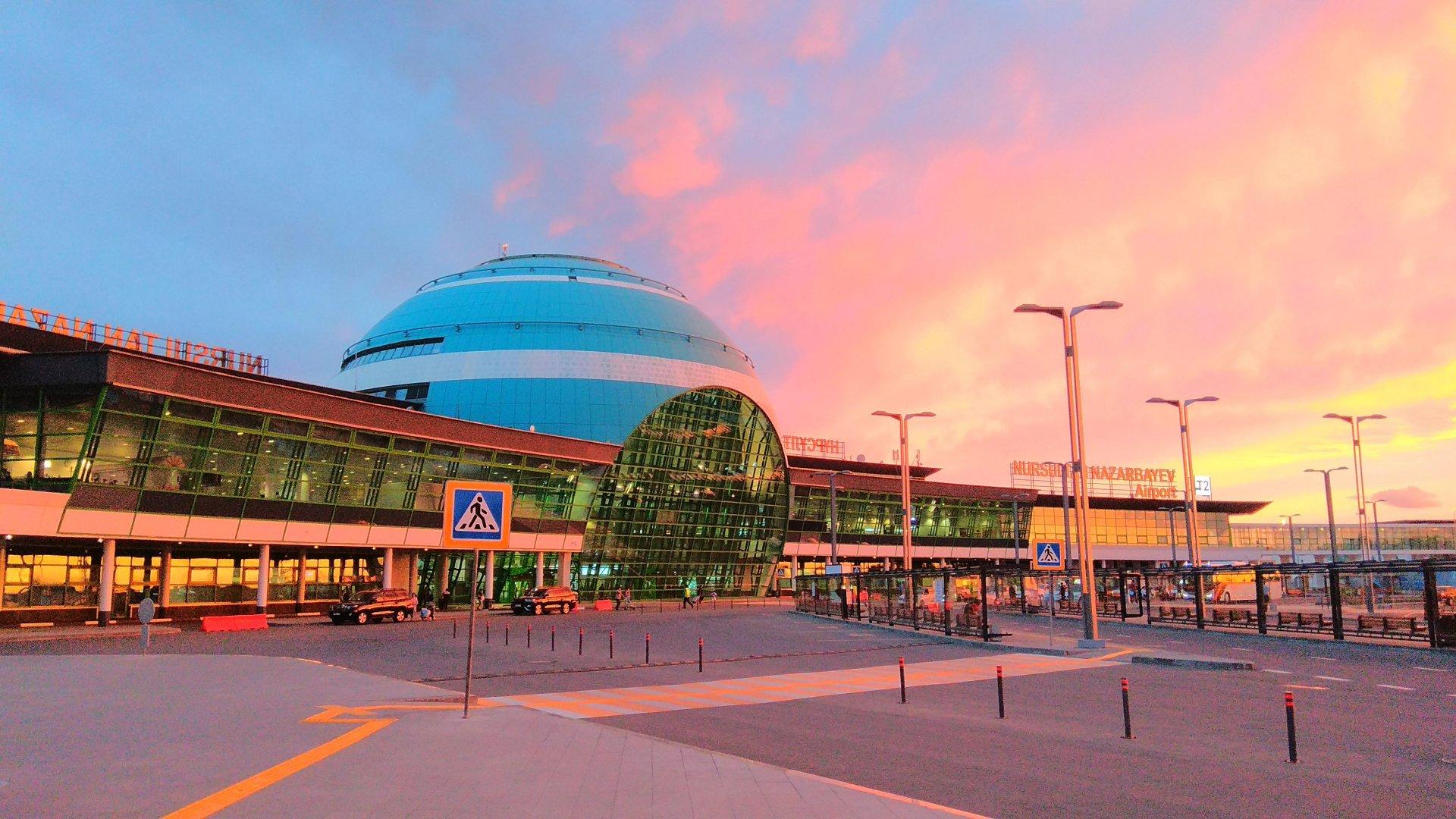 """Пассажиры с """"желтым"""" и """"красным"""" COVID-статусом не смогут попасть в терминал аэропорта столицы Казахстана"""
