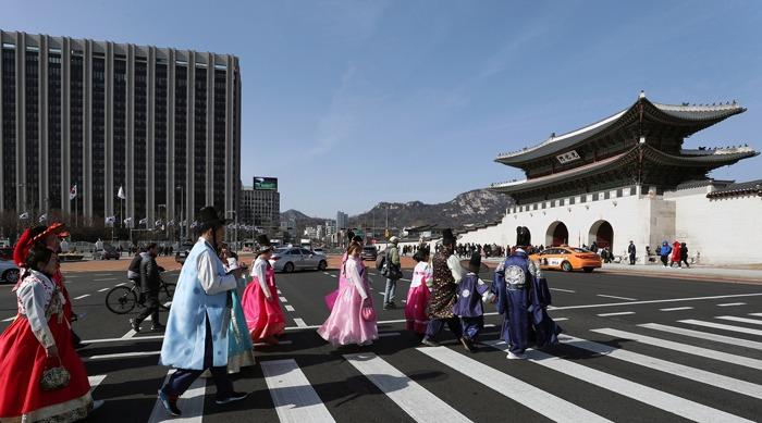 Оңтүстік Корея екпе салдырған туристерді карантинге жатқызбайды