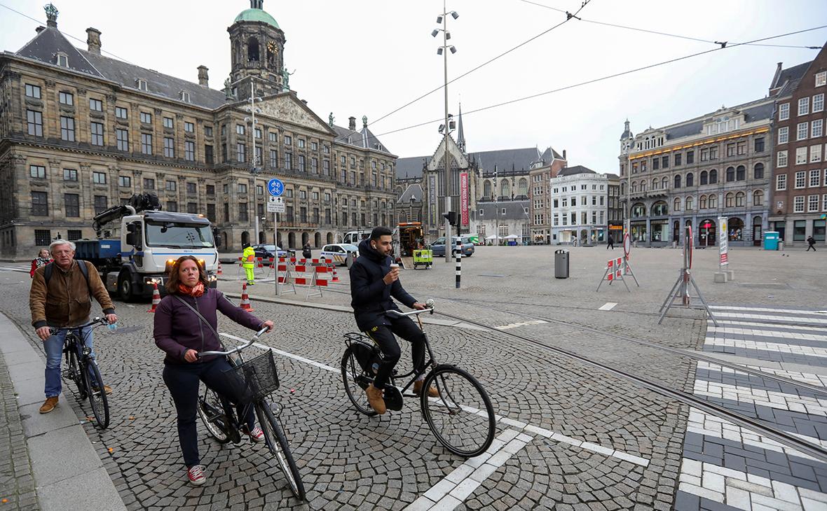Нидерланды әлеуметтік қашықтықты ұстану режимін тоқтатады