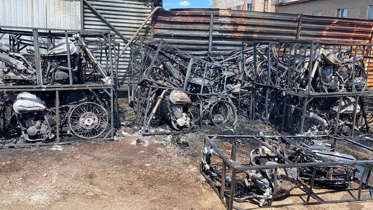 Нұр-Сұлтанда 36 мотоцикл өртеніп кетті