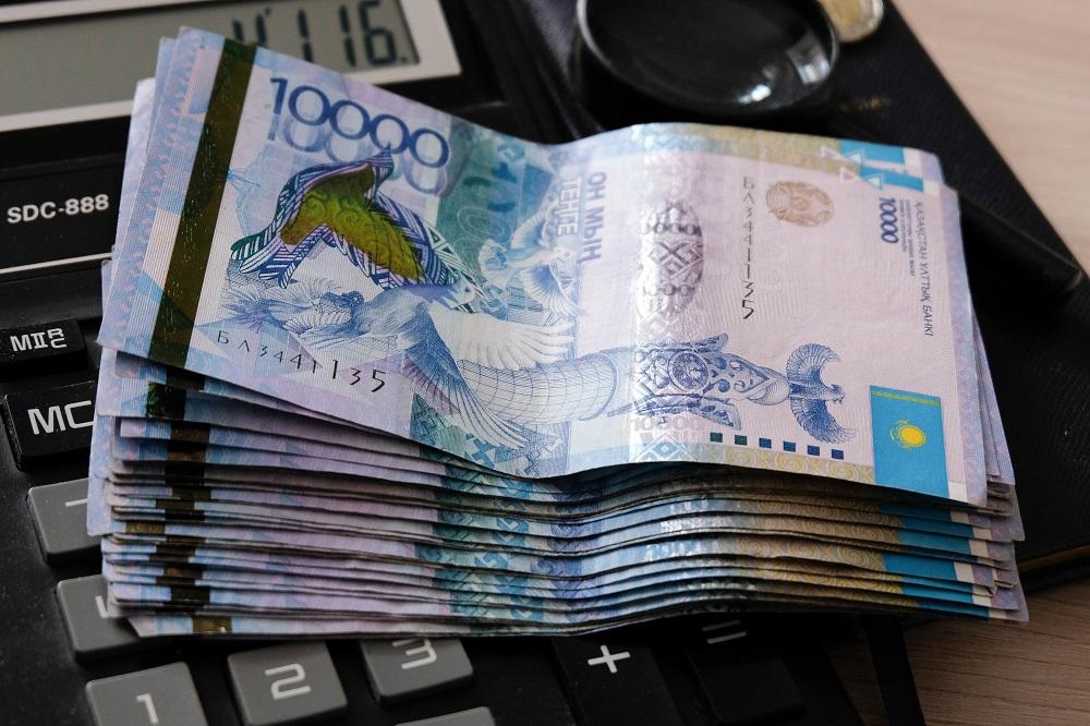 Сколько пенсионных накоплений потратили казахстанцы на жилье и оплату лечения