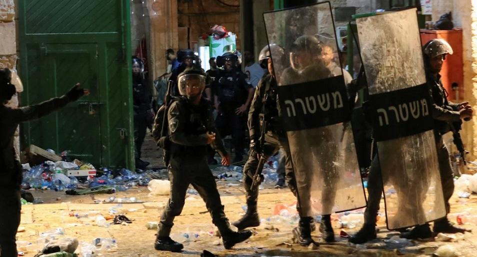 Более 200 человек пострадали в столкновениях в Иерусалиме
