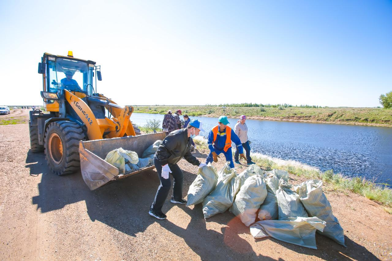 Сколько мусора собрали в Казахстане