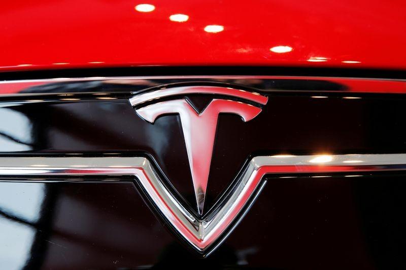 Tesla-ның таза пайдасы II тоқсанда алғаш рет 1 миллиард доллардан асты
