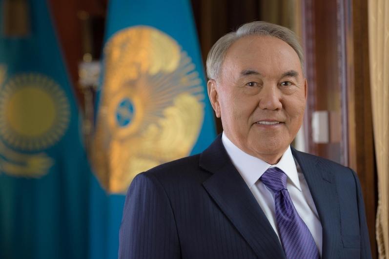 Нурсултан Назарбаев поздравил казахстанцев с Днем защитника Отечества