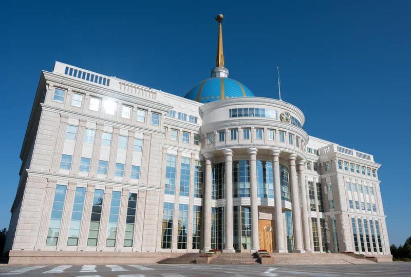 Қайрат Досаевты жұмысқа алғаны үшін Президент Сапарбаевқа сөгіс берді