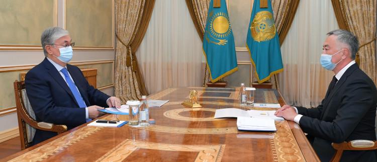 """Касым-Жомарту Токаеву доложили об антимонопольном расследовании в отношении """"Богатырь Комир"""", Air Astana и SCAT"""