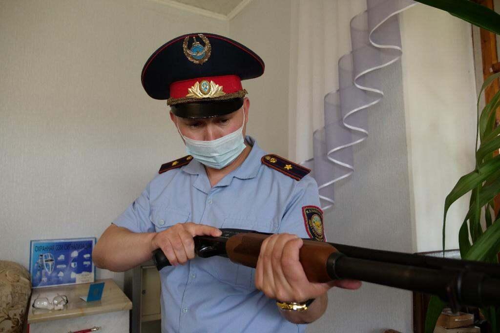 Почти 500 нарушений правил хранения оружия выявили полицейские СКО