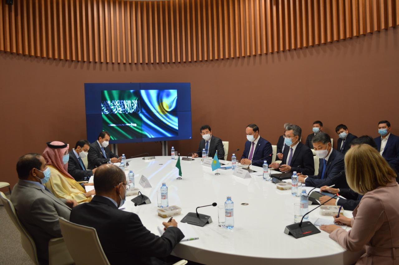 Бахыт Султанов предложил министру инвестиций Королевства Саудовская Аравия взаимовыгодное сотрудничество
