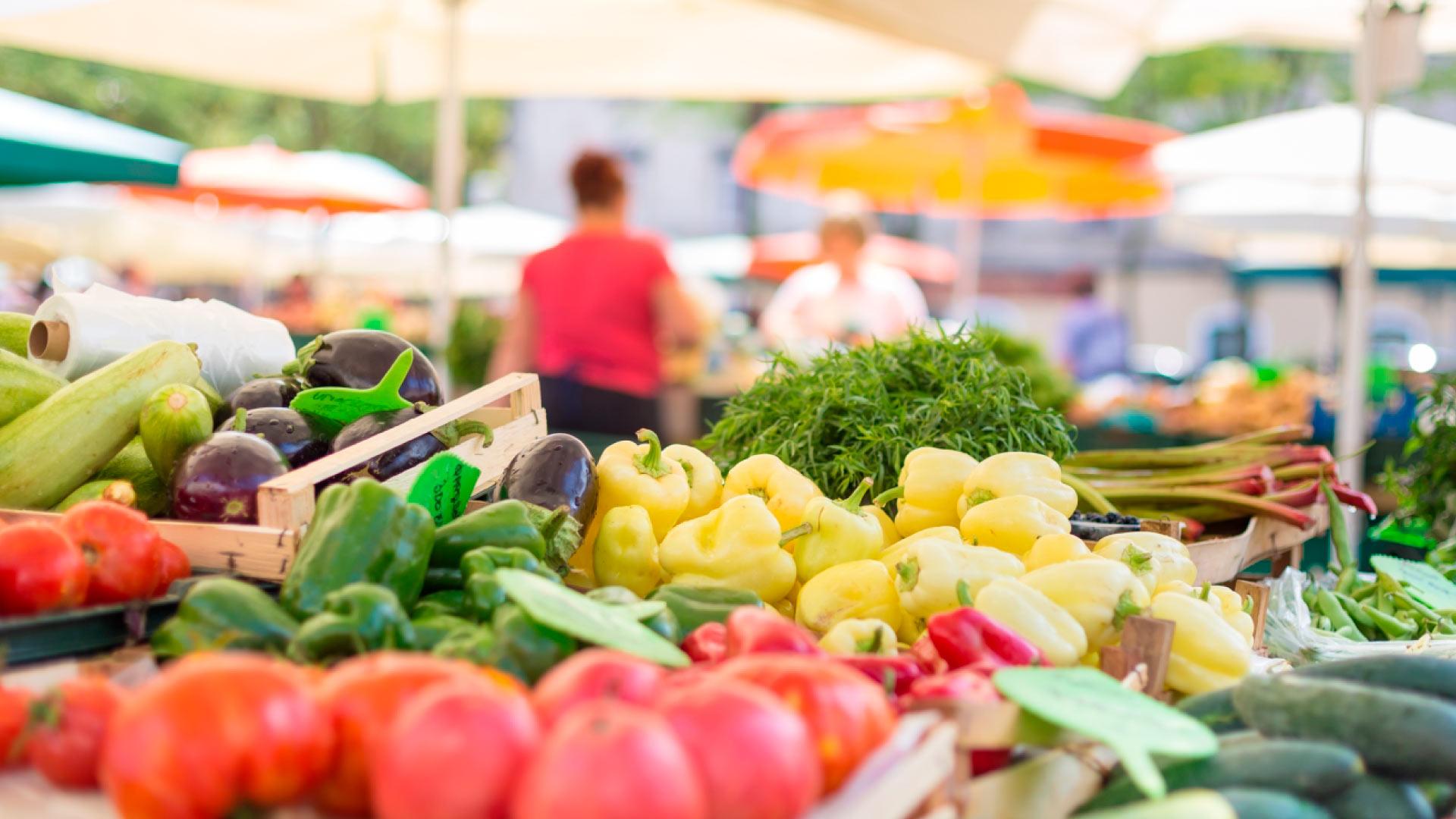 Много продуктов ввозят в Атыраускую область извне