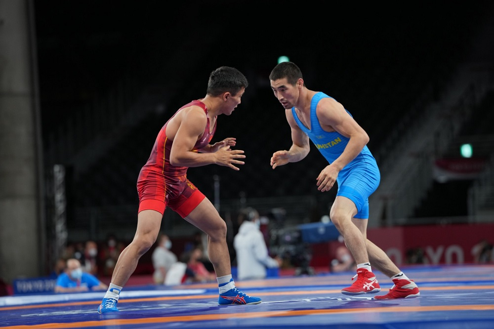 Мирамбек Айнагулов уступил в 1/8 финала соревнований по греко-римской борьбе
