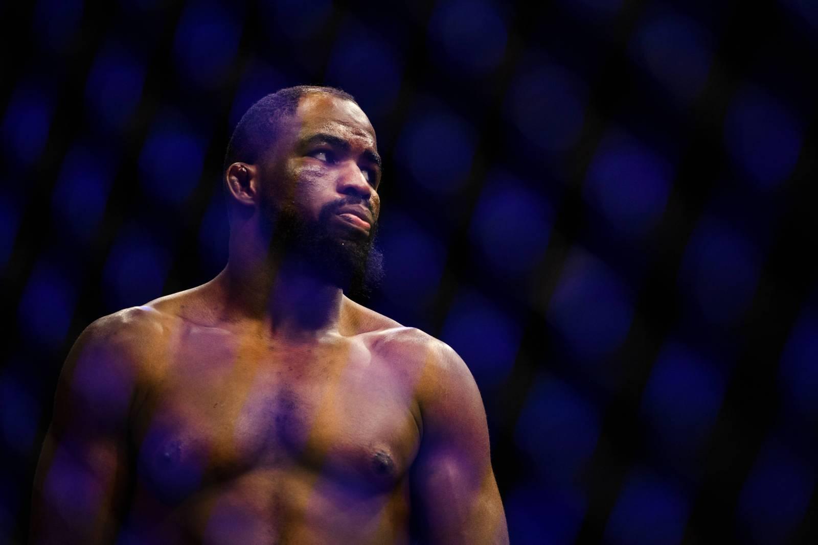 Звезда UFC Джон Джонс арестован по обвинению в домашнем насилии
