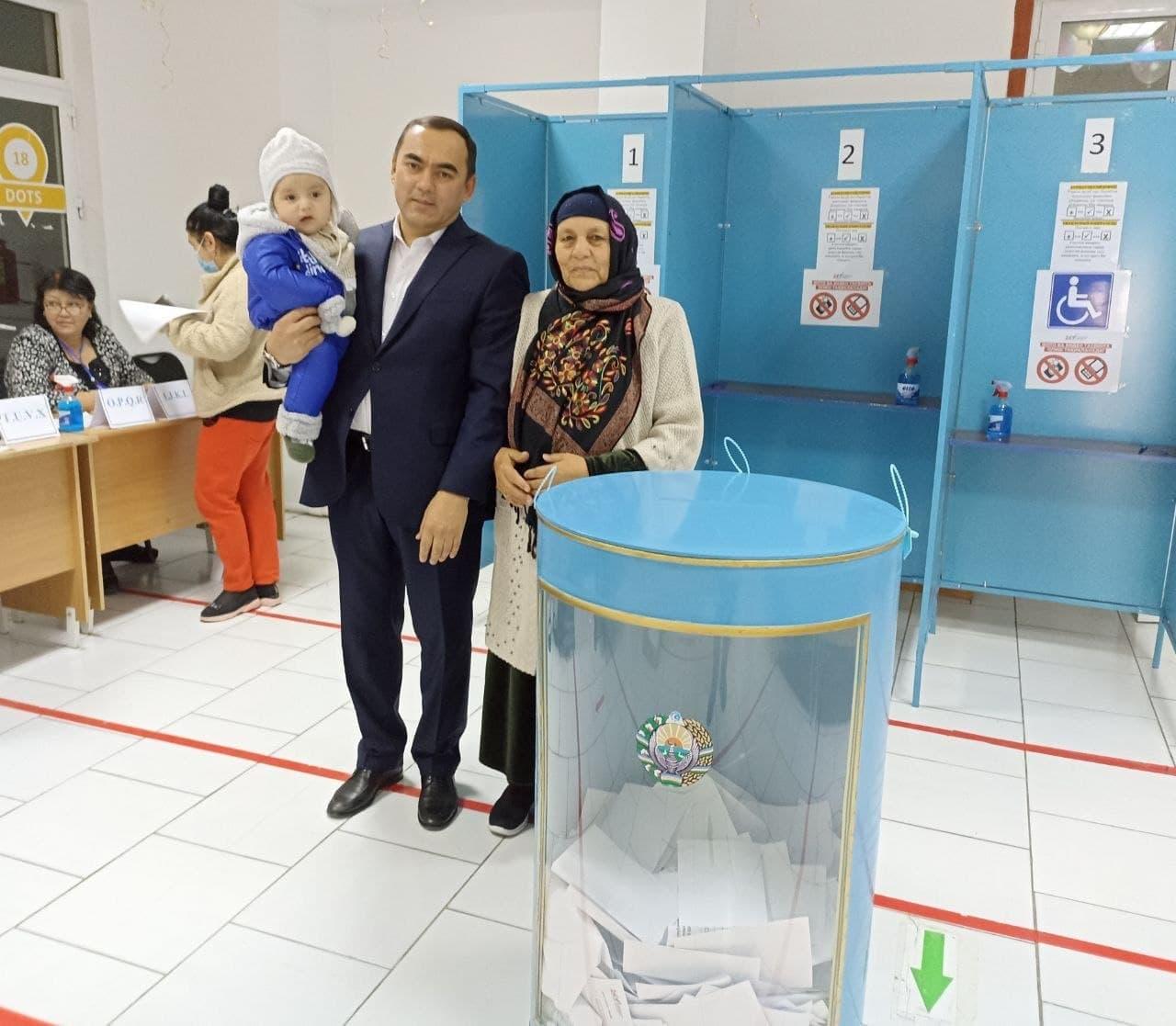 """ЦИК Узбекистана призвал не допускать """"семейного голосования"""""""