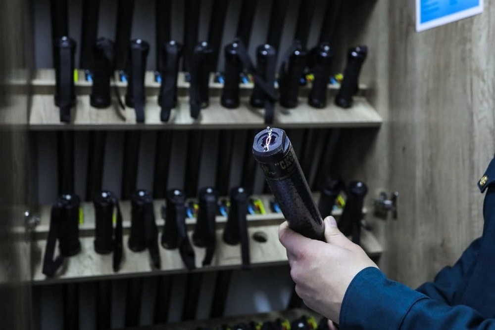 В Узбекистане сотрудникам ОВД разрешили использовать электрошокеры