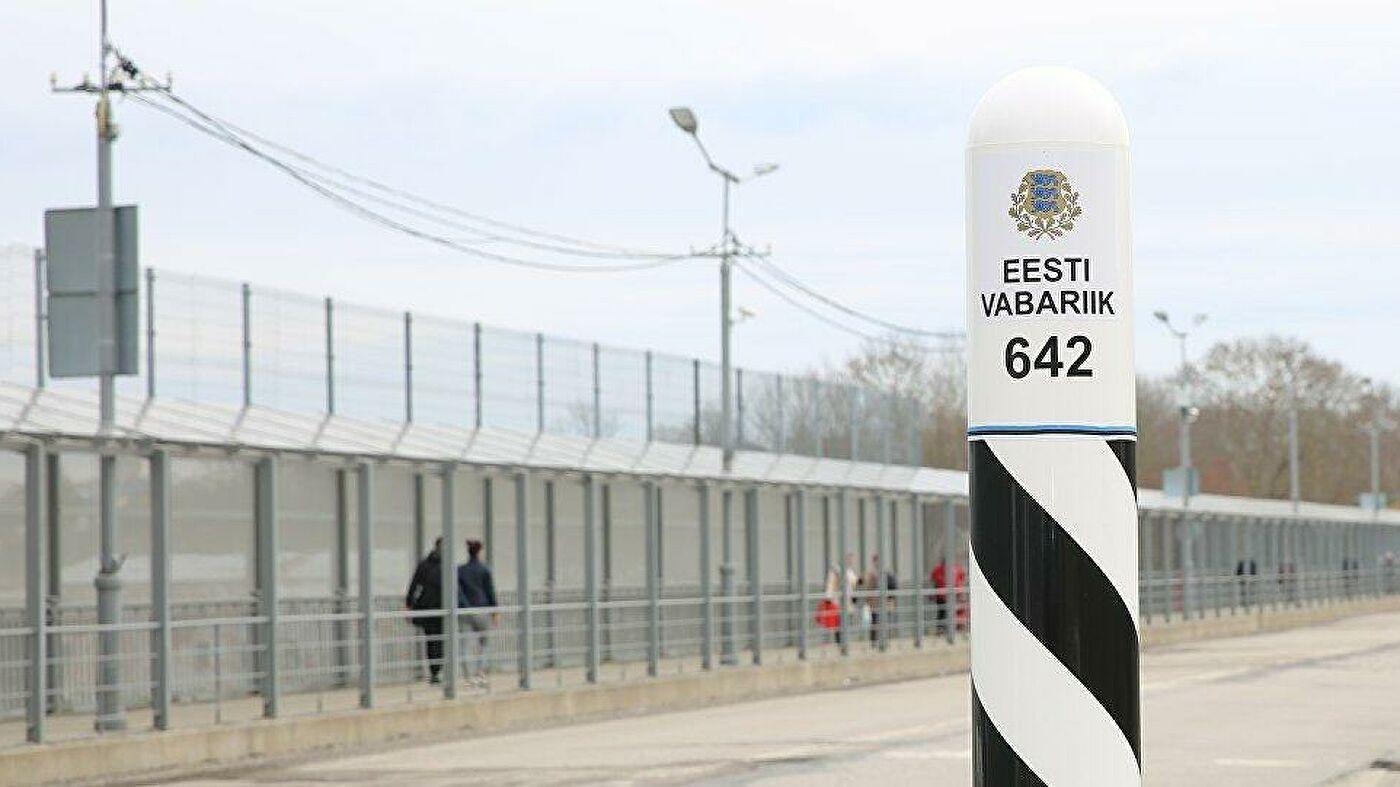 Эстония усилила охрану границы с Россией из-за наплыва мигрантов