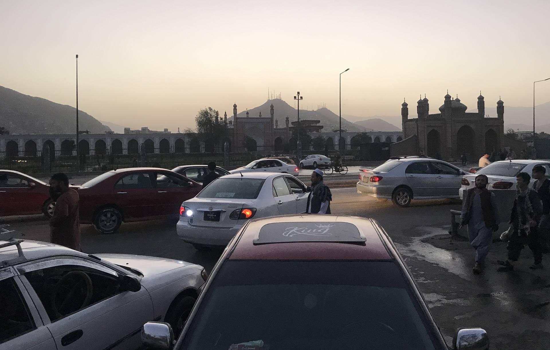 Взрыв у мечети в Кабуле унес жизни 12 человек