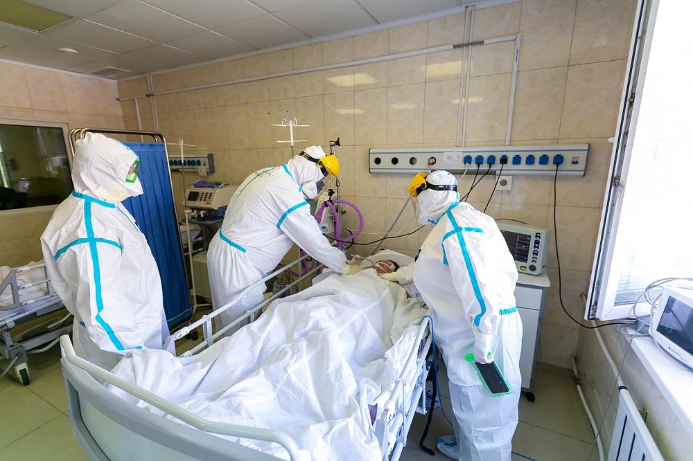 900 пациентов с КВИ находятся в тяжелом состоянии