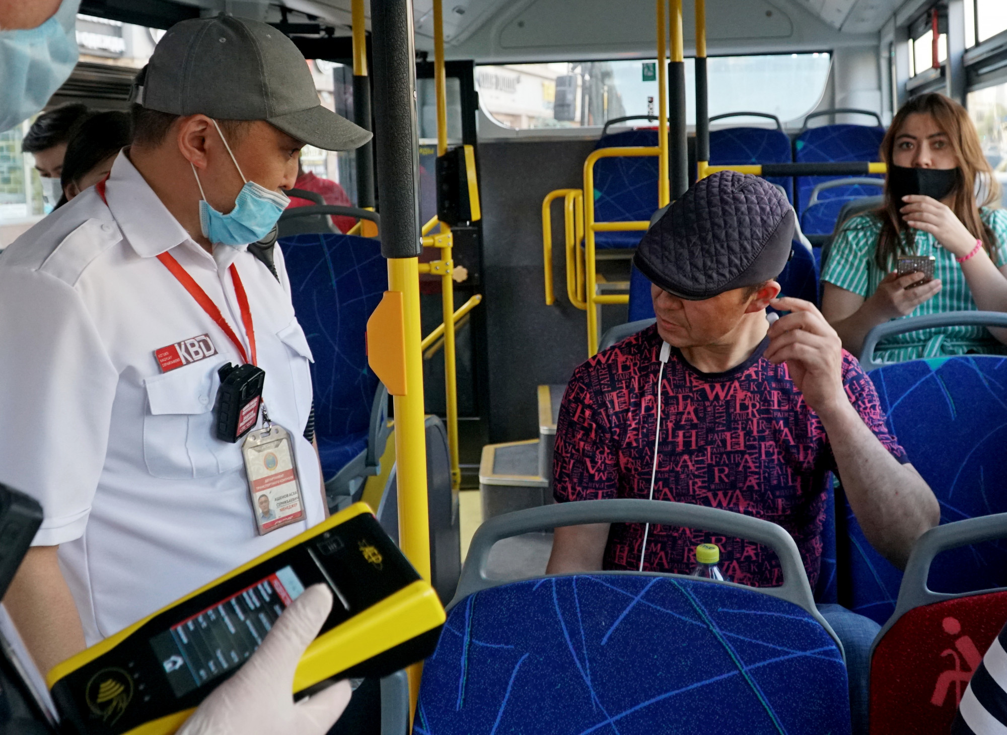В Алматы оштрафованы 52 человека за отсутствие масок