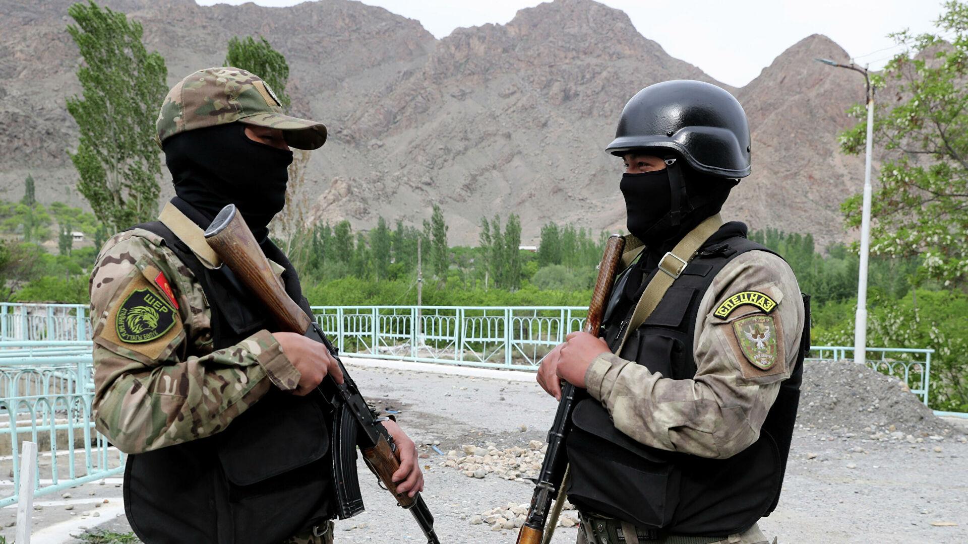 Таджикский военный ранен во время перестрелки на границе с Кыргызстаном