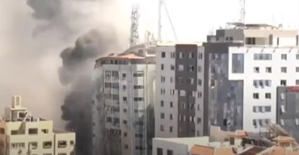 Израильские ВВС разрушили здание с офисами местных и международных СМИ в секторе Газа