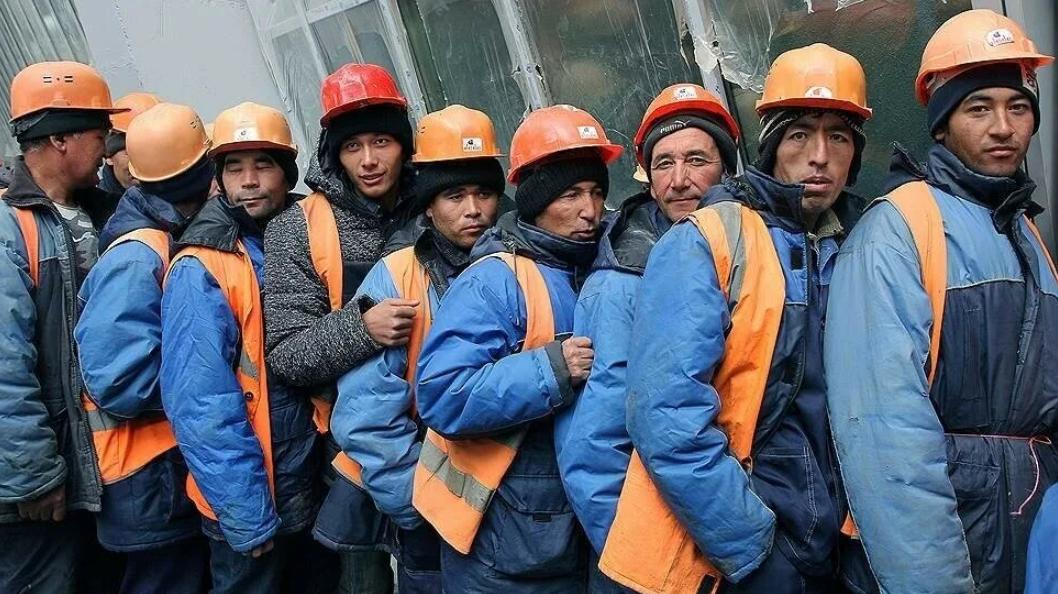 Около 1500 трудовых мигрантов из Узбекистана будут строить космодром в России