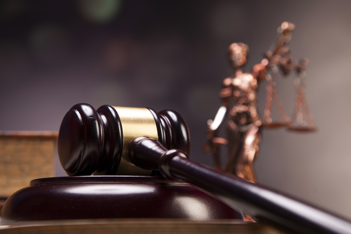 Суд осудил эколога, требующего взятку в 10 млн тенге, на 3 года