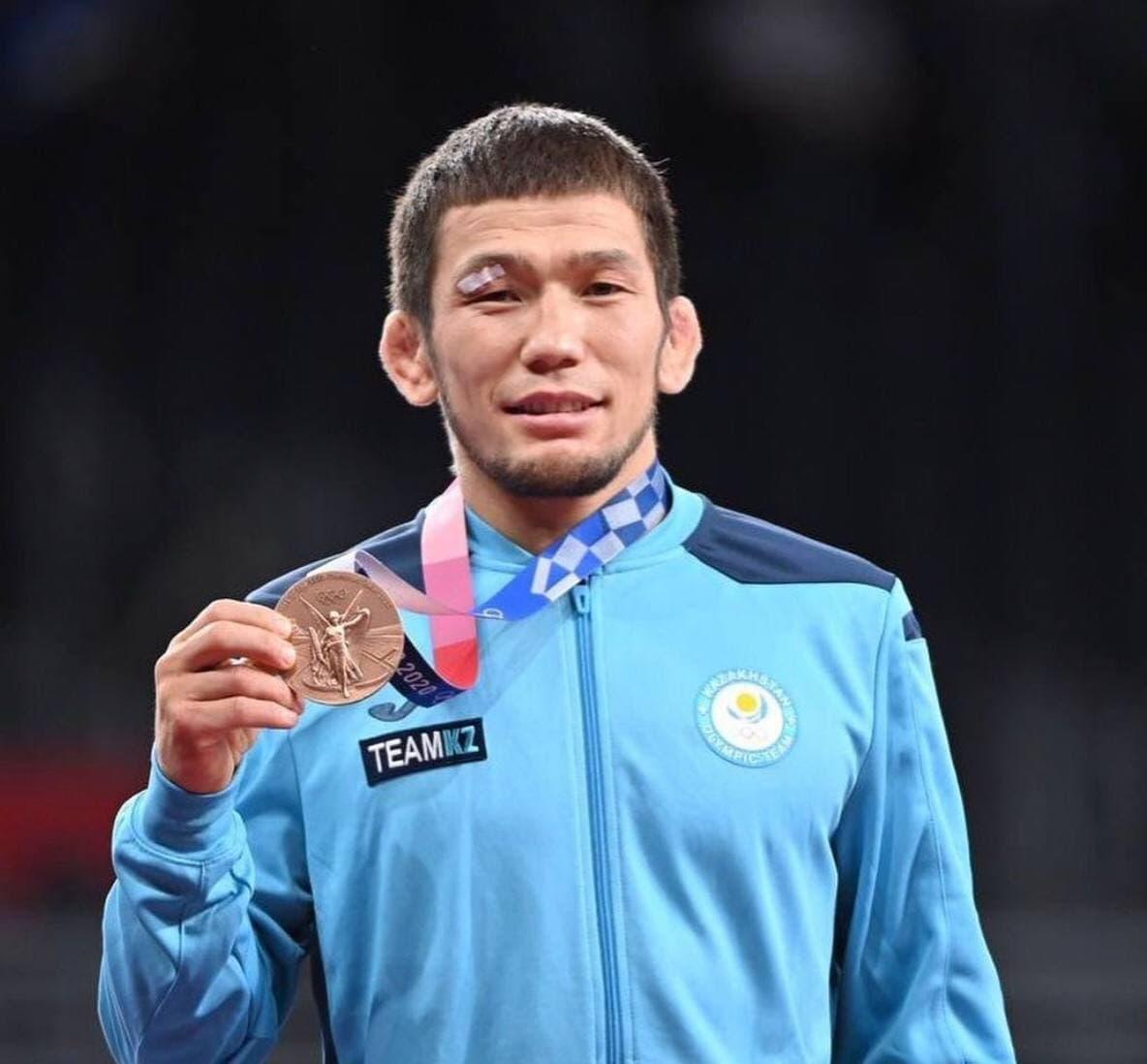 Борец Нурислам Санаев отдаст свои призовые за бронзу Олимпиады нуждающимся