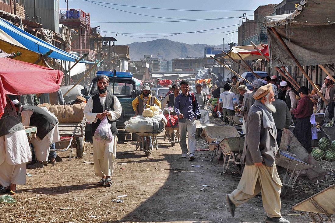Делегация из Казахстана прилетела в Афганистан