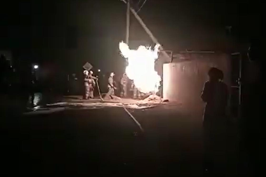 Пьяный водитель врезался в газопровод в пригороде Актау