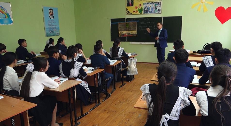 Школы переполнены из-за акиматов, действующих в интересах застройщиков